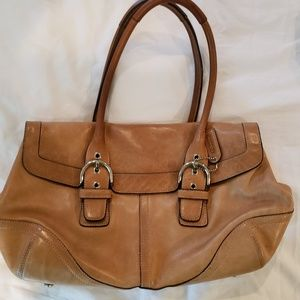 Lovely vintage Coach purse